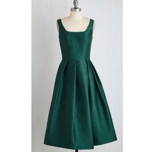 Chi Chi London emerald green party dress size 12